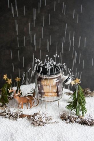 knuspern unterm weihnachtsbaum geschmacksmomente. Black Bedroom Furniture Sets. Home Design Ideas
